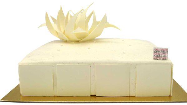 Adriano Zumbo's V8 vanilla cake