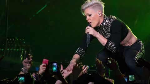'Cut it out, you grown-a-- women': Pink breaks up a fight at her concert