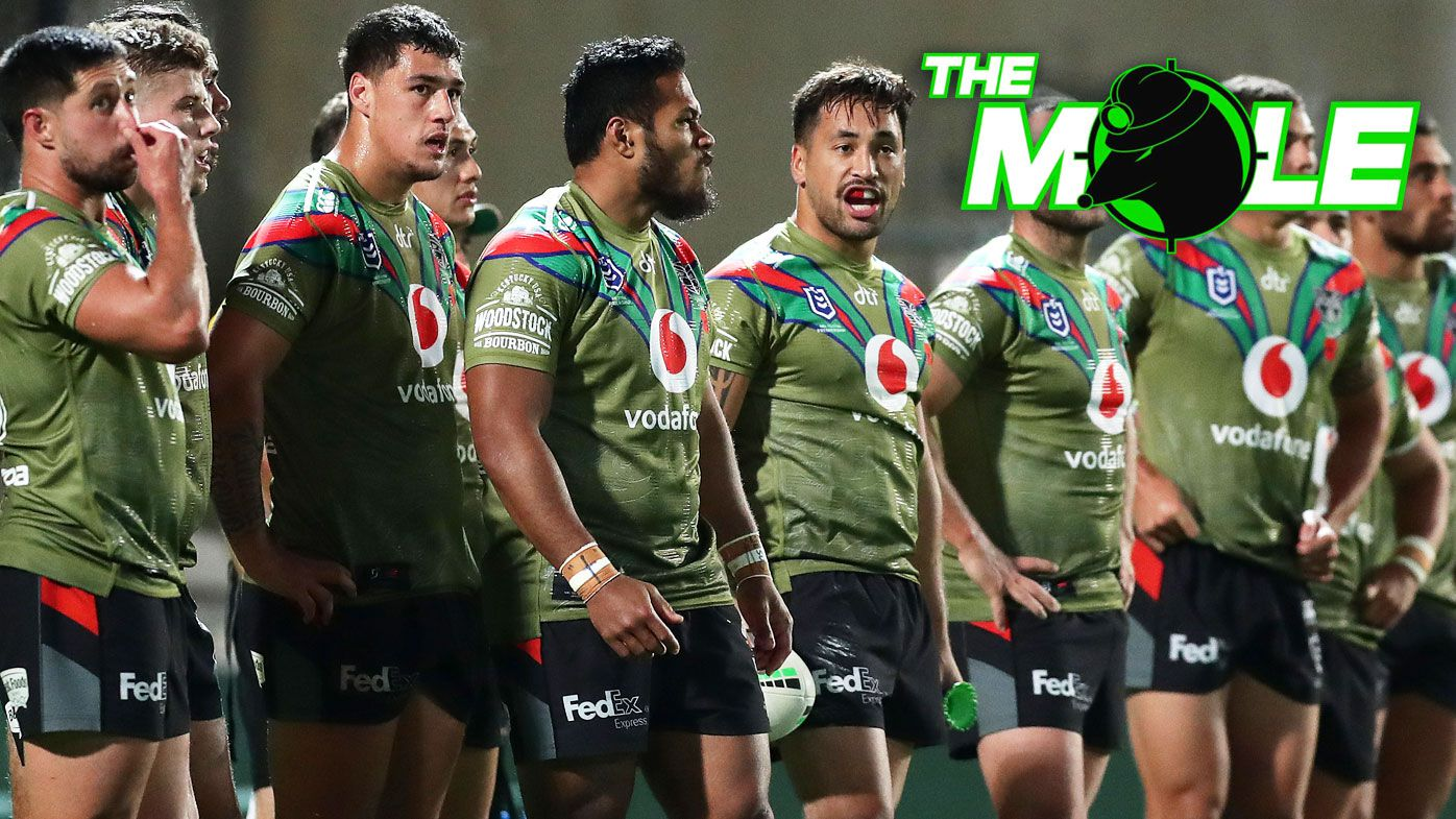 Warriors players look dejected after another Storm try