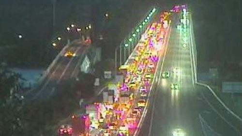 Southbound traffic was queued around nine kilometres about 6.30am this morning. (Live Traffic NSW)
