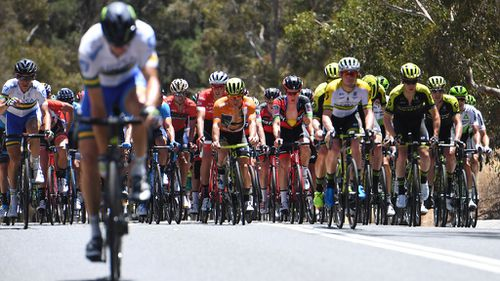 Riders in the Tour Down Under struggled under the South Australian heat this morning. (AAP)