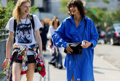 Models off duty (Julia Nobis and Mica Arganarazica)