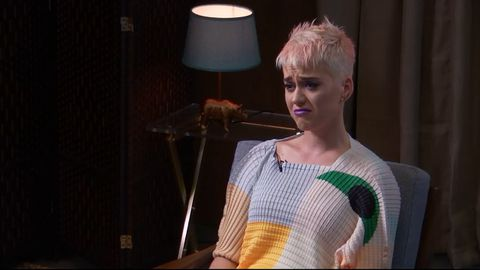 9RAW: Katy Perry breaks down during therapy session