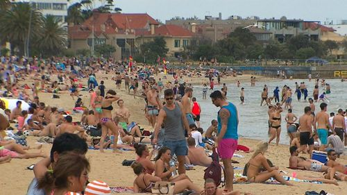 A severe heatwave is gripping much of the state's south-east. (9NEWS)