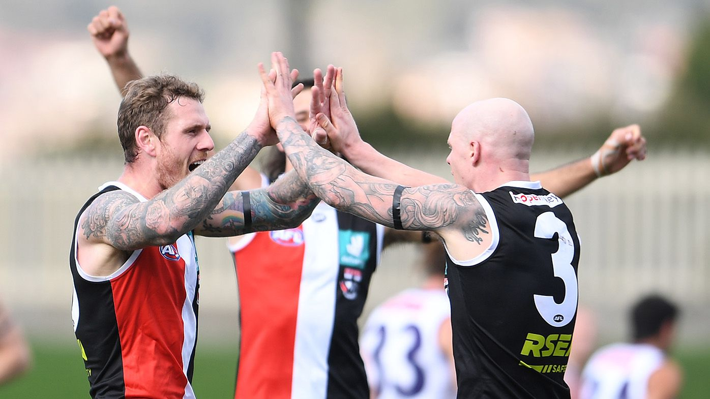 Saints cruise to victory as Dockers' finals hopes crumble in David Mundy's record-breaking game