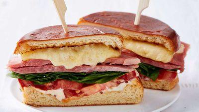 "Recipe: <a href=""http://kitchen.nine.com.au/2018/01/12/13/02/sandwich-recipe"" target=""_top"" draggable=""false"">Ham&nbsp;Sandwich</a>"