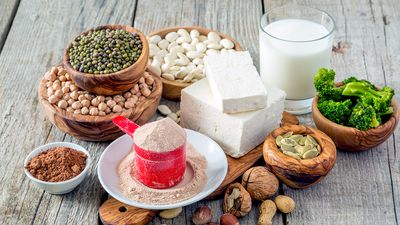 Plant protein: How to build muscle when you're vegetarian or vegan