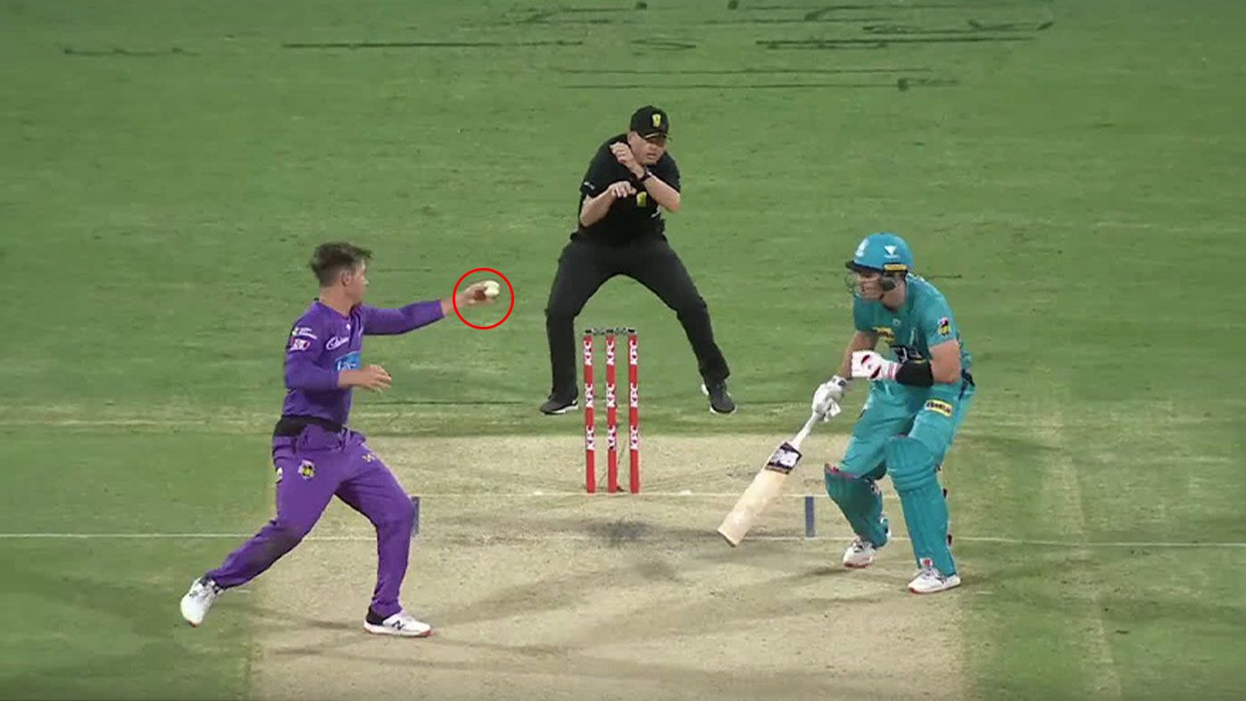 Brisbane Heat survives stunning BBL collapse and freakish D'Arcy Short catch against Hobart Hurricanes
