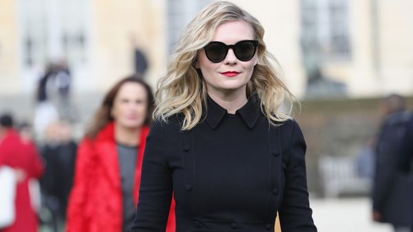 Kirsten Dunst swept into Paris and killed it in the style stakes. Image: Getty.