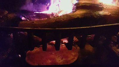 "<p>One family got creative in order to cook their dinner. </p> <p>""Cooked a pizza in our loungeroom fireplace lastnight. No power no worries!"" Tania Lovering wrote on Twitter. (Twitter/@tania_lovering)</p>"