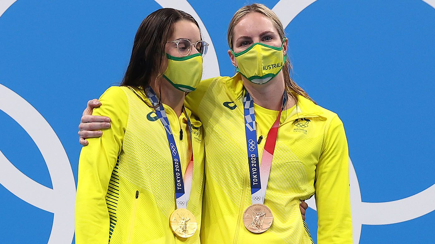 The story behind the touching podium moment between Emily Seebohm and Kaylee McKeown