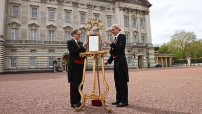 Royal birth announcement outside Buckingham Palace
