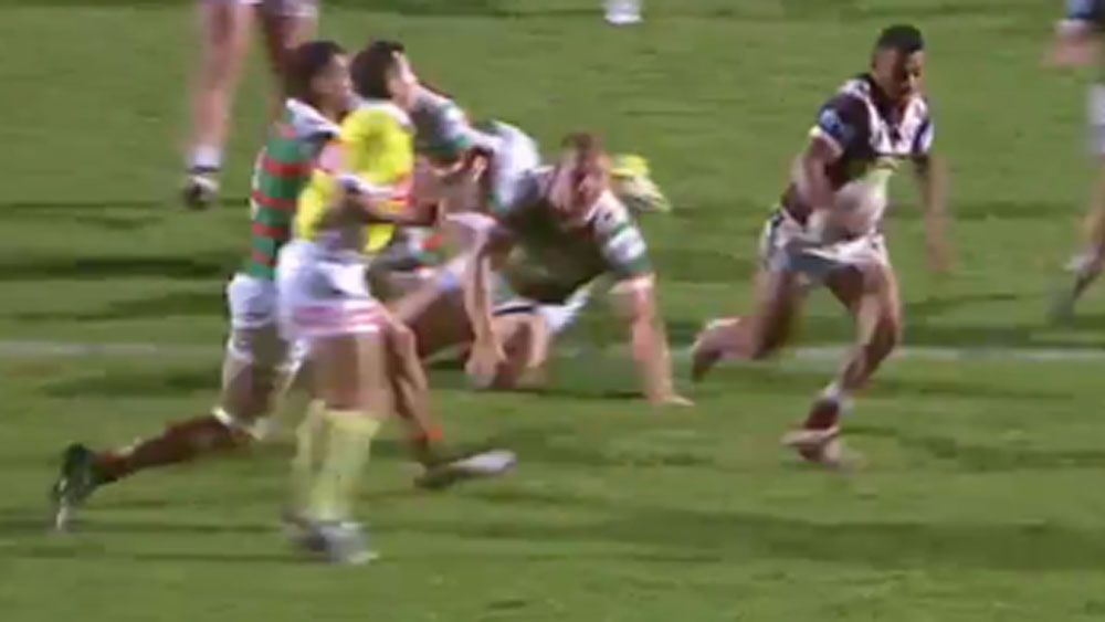 Referee takes out Inglis