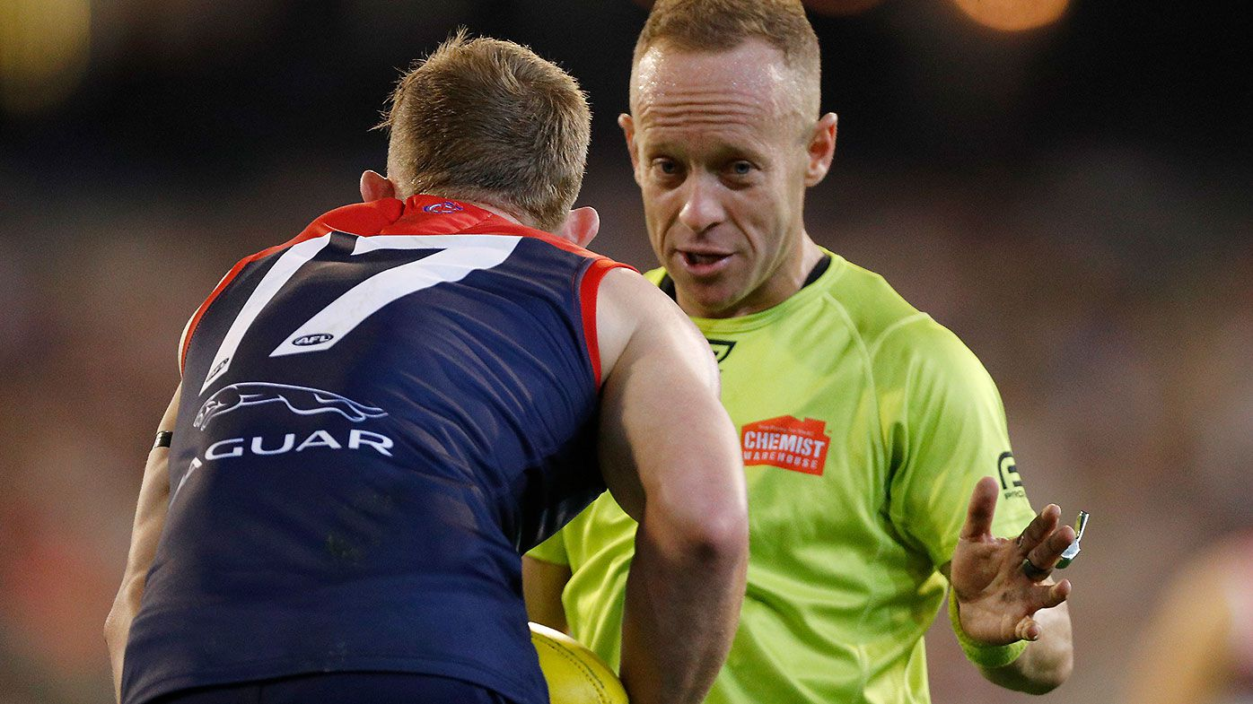 AFL umpires reportedly forced to abandon group training due to coronavirus outbreak
