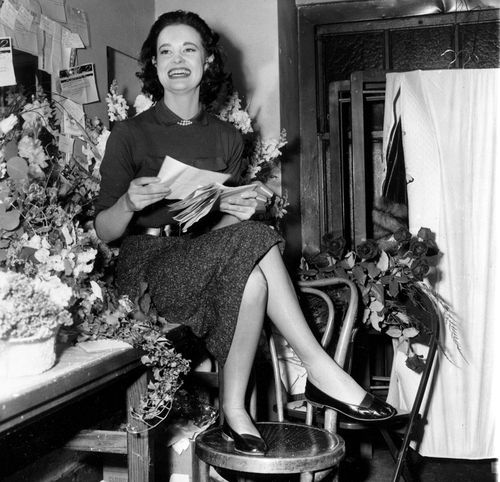 American fashion icon and artist Gloria Vanderbilt dies aged