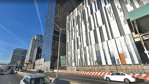 Mystery gunman shoots up New York City apartment building