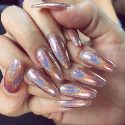 <p>These rose quartz nails will put your other half on edge this Valentine's Day and in the best way possible.</p> <p> </p>