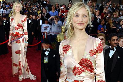 <b>Cameron Diaz 2002</b><br/><br/>Even a hot chick like Cameron would look frumpy in this saggy old dressing gown.