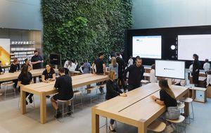 Australian Apple stores to re-open Thursday