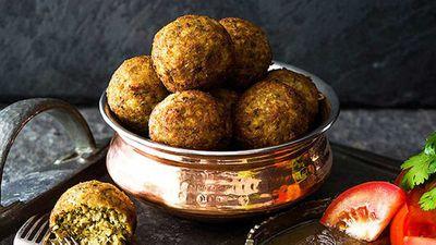 "Recipe:&nbsp;<a href=""http://kitchen.nine.com.au/2016/05/05/13/26/grandmas-kola-urundai-deepfried-southern-indian-meatballs"" target=""_top"">Grandma's kola urundai deep-fried southern Indian meatballs</a>"