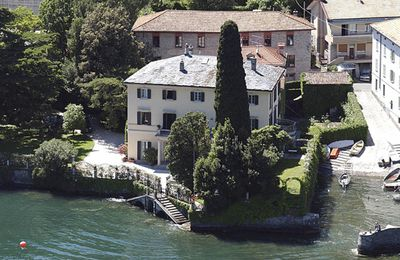 You'd hope that George Clooney is into his water sports, what with owning a home like this. Ah, to be a celebrity. What most people would give to walk out their door and straight into a bright blue, picturesque lake surrounded by beautiful mountains. George's palatial, 19th century home, which he once shared with Italian girlfriend, Elisabetta Canalis, is on the banks of Lake Como in Italy.