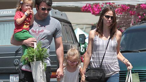 Jennifer Garner and Ben Affleck baby bump