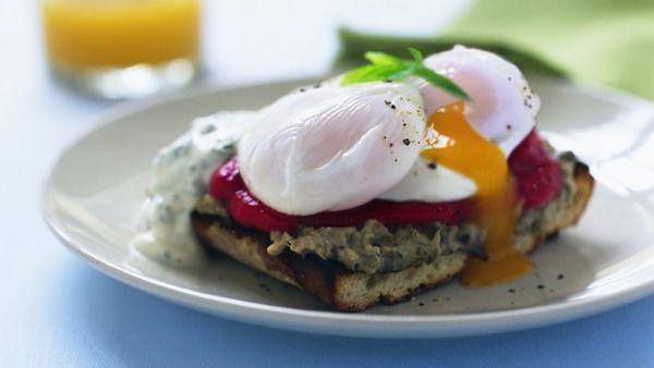 Delicatessen-style eggs Benedict