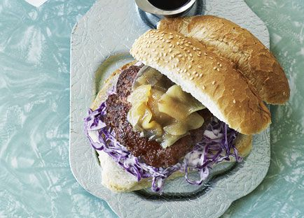 Pork burgers with pear relish and onion rings