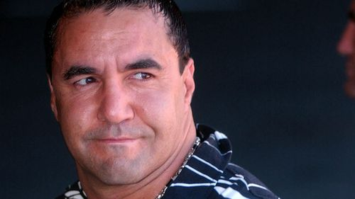 Former boxer Jeff Fenech accused of intimidating police over murder investigation