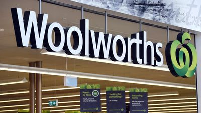Woolworths has also recalled pies which may contain glass.<br>  <br>The recall was made for their Select brand of chicken and vegetable pies in a four pack.<br>  <br>It affects packets of the pies that have best before dates of October 9 and October 10, 2016.<br>  <p>The pies went on sale on April 14 and are a serious threat to customers if consumed.<br></p>