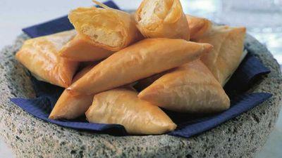 Cheese filo triangles (Tiropitakia)