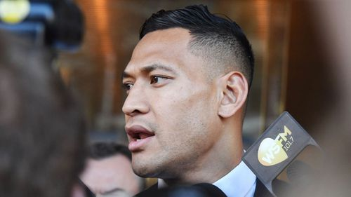 Israel Folau deactivated his Instagram and Twitter accounts before they soon reappeared.