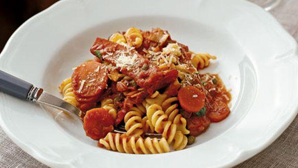 Fusilli with squid and tomato