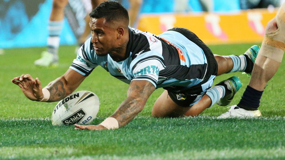 Sharks start grand final with an old school try from the back of the scrum