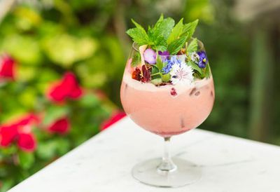 "<a href=""http://kitchen.nine.com.au/2016/05/20/10/55/the-grounds-summer-romance-cocktail"" target=""_top"">The Grounds' summer romance cocktail</a>"