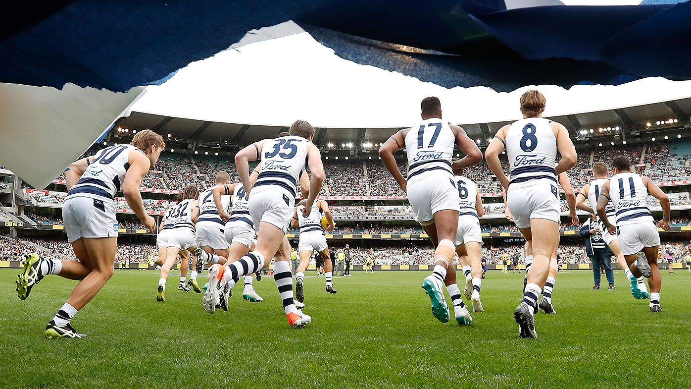 'No communication': Geelong cheer squad fumes over club's banner ban