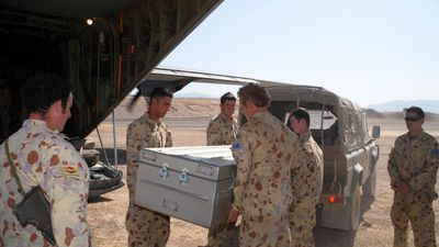 <p>Australian diggers farewelled Nova in a ceremony in Afghanistan.</p>