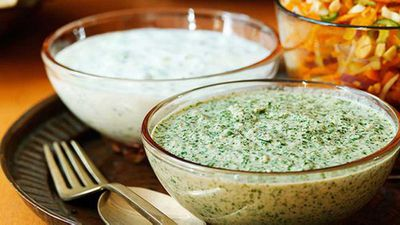 Walnut and mint chutney