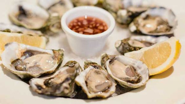 Oysters with dressing and soda bread