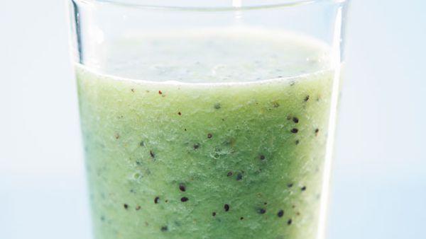 Kiwifruit and green grape juice