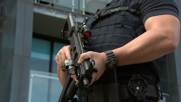 Victoria Police set to carry semi-automatic rifles