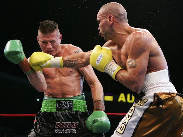 Danny Green and Anthony Mundine lock horns in 2006. (Getty)