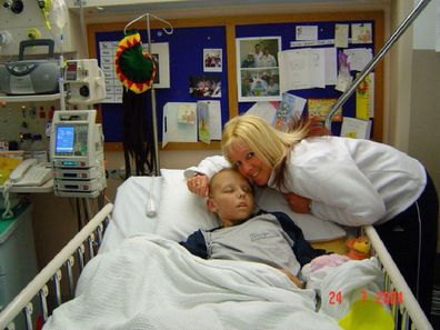 Nikki nurse who had cancer as a child with her mum