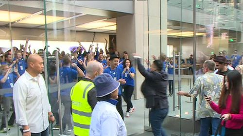 Some Apple fanatics queued for days ahead of the release of the iPhone 6. (9NEWS)