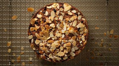 """<a href=""""http://kitchen.nine.com.au/2016/12/05/14/07/teresa-cutters-healthy-christmas-cake"""" target=""""_top"""">Teresa Cutter's healthy Christmas cake</a><br> <br> <a href=""""http://kitchen.nine.com.au/2016/12/05/17/19/healthier-christmas-recipes-the-family-will-love"""" target=""""_top"""">More healthy versions of the festive favourites</a><br>"""