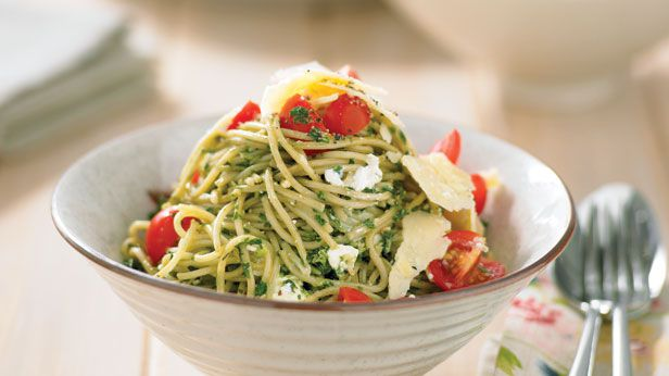 Basil pesto spaghetti
