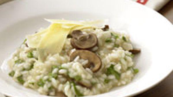 Rocket and mushroom risotto