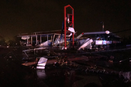 Building s have been toppled after a massive tornado devastated Jefferson City overnight.
