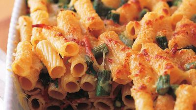 "<a href=""http://kitchen.nine.com.au/2016/05/17/20/35/asparagus-bacon-and-parmesan-tortiglioni"" target=""_top"">Asparagus, bacon and Parmesan tortiglioni</a>"