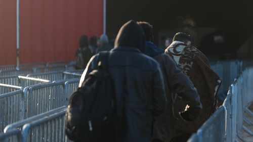Hollande urges Britain to take in 1500 'Jungle' minors